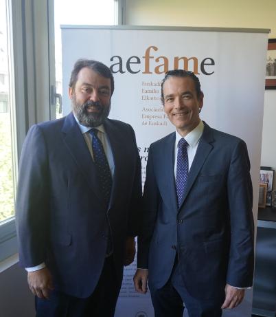 Javier Ormazabal (Presidente de Aefame) y Cosme Carral (Socio responsable de KPMG en Euskadi)