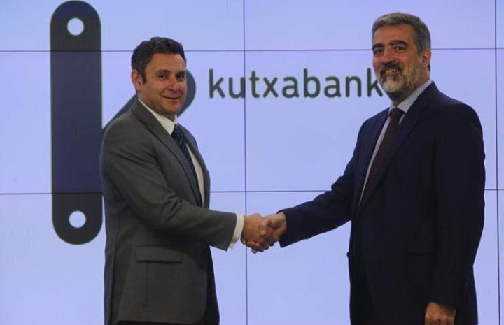 Gaizka Zulaika (Director de Aefame) y Fernando del Hoyo (Director de Banca de Empresas de Kutxabank)