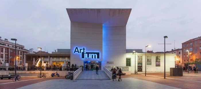 Artium_fachada_principal